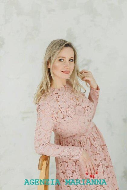 Incontra la ragazza Russa Elena, di Volgograd (Russia)